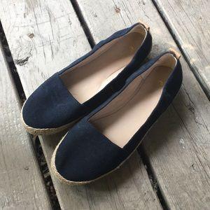Easy spirit black slip on loafers. Jute detail 8.5
